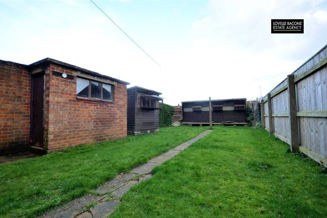 Picture No. 02 of Stainton Drive, Grimsby DN33