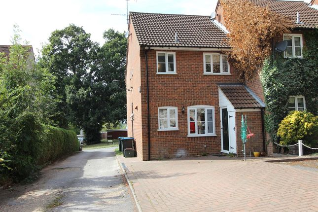 Thumbnail Property to rent in Andrews Close, Old Town, Hemel Hempstead