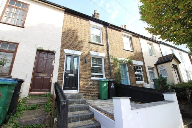 2 bed property to rent in Villiers Road, Watford