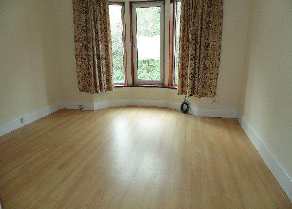 Thumbnail Flat to rent in Windsor Place, Bridge Of Weir