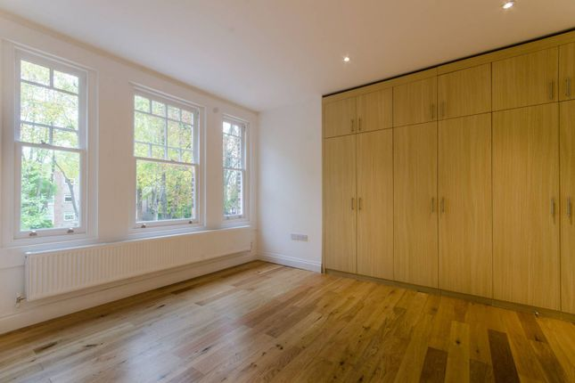Thumbnail Flat to rent in Wellington Road, Bush Hill Park