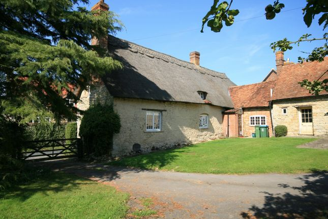 Thumbnail Cottage for sale in Frogmore Lane, Long Crendon, Aylesbury