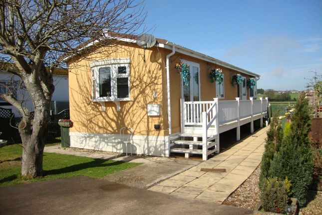 Thumbnail Mobile/park home for sale in Grove Road, Summer Lane Park, Banwell