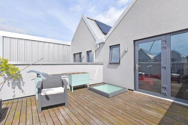 Roof Terrace of Bakers Yard, Kelham Island, Sheffield S3
