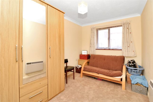 Bedroom of Breakspear Court, The Crescent, Abbots Langley WD5