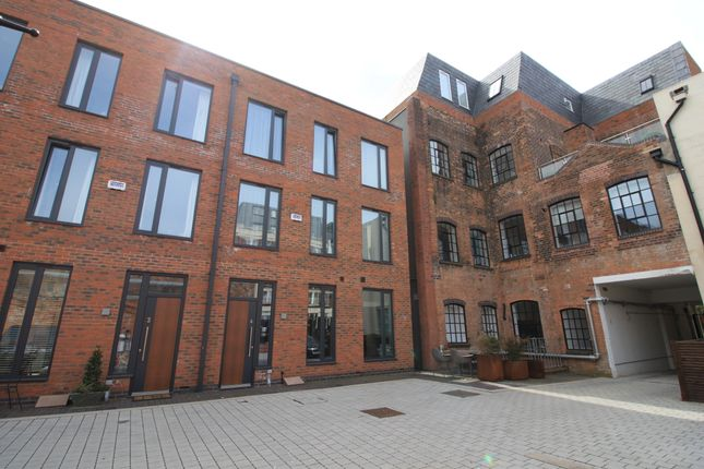 Thumbnail Town house to rent in St. Pauls Square, Birmingham