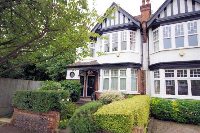 Thumbnail Flat for sale in Clifton Avenue, Finchley