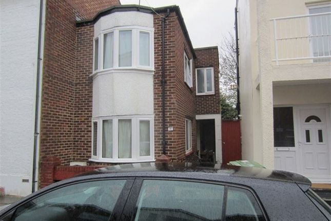Thumbnail Property to rent in Richmond Road, Southsea