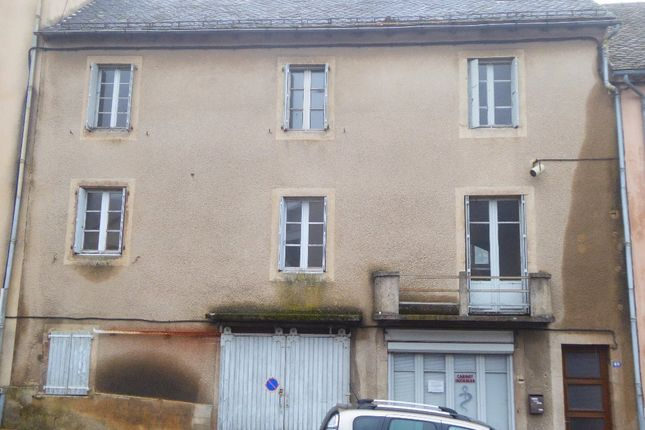 Properties for sale in pont de salars rodez aveyron for Garage pont de salars
