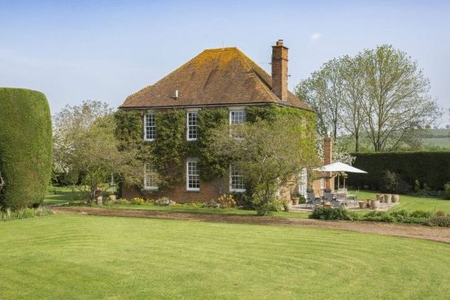 Thumbnail Detached house to rent in Doddershall, Quainton, Aylesbury