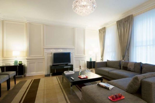 Thumbnail Flat to rent in Stratton Street, Mayfair