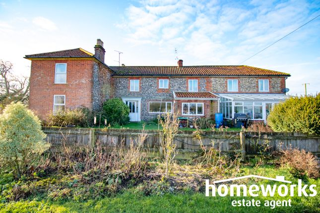 Thumbnail Detached house for sale in Old Litcham Road, Mileham