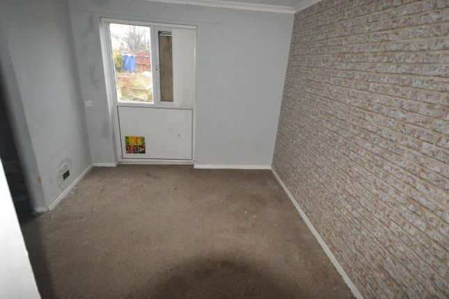 Picture No. 05 of Bahram Grove, New Rossington, Doncaster, South Yorkshire DN11