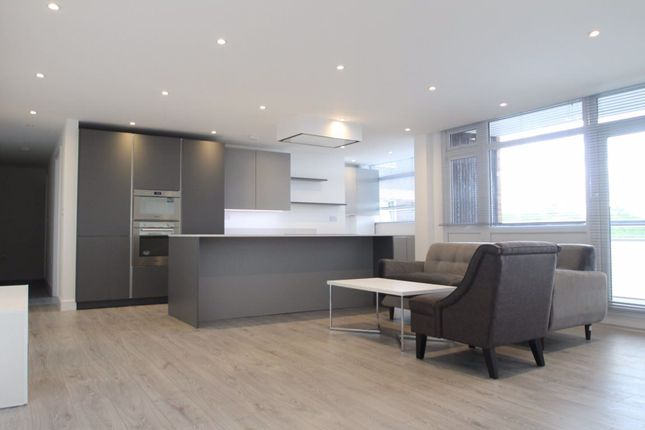 Thumbnail Flat to rent in Regents Park Road, London