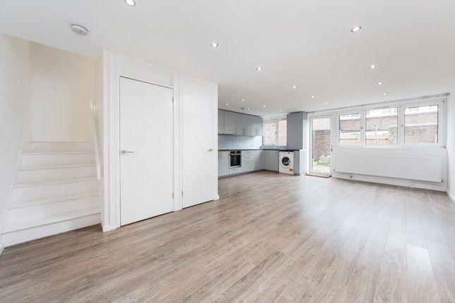 2 bed flat to rent in Dengie Walk, London N1