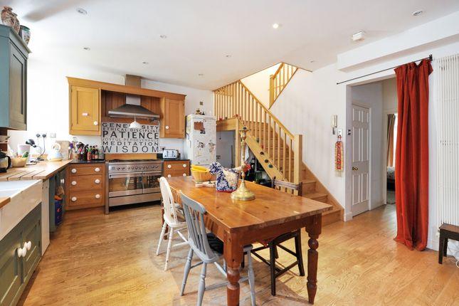 Thumbnail Maisonette to rent in Brock Street, Bath