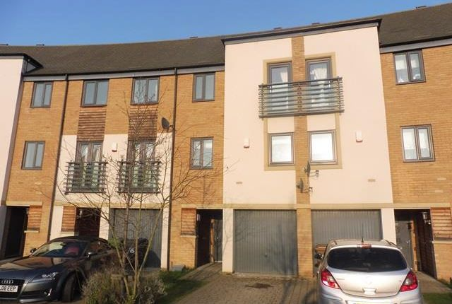 Thumbnail Town house to rent in Farrow Avenue, Hampton Vale, Peterborough