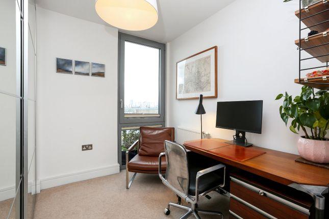 Bedroom 3 of Boleyn Road, London N16
