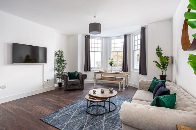 Thumbnail Flat to rent in Royal Terrace, Southend-On-Sea