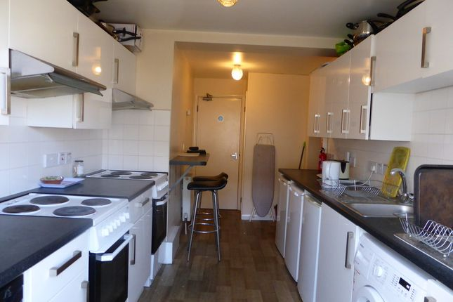 Thumbnail Shared accommodation to rent in Goodmead Road, Orpington