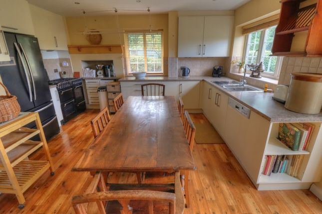 Kitchen / Dining Roo
