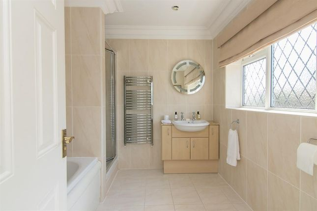 Ensuite Bathroom of Telegraph Road, Heswall, Wirral CH60