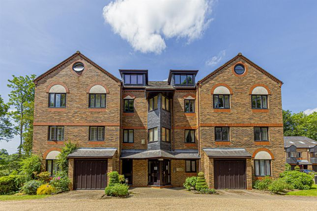 Thumbnail Flat for sale in Abbey Mill Lane, St.Albans