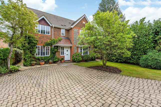 Front of Dean Wood Close, Woodcote, Reading RG8