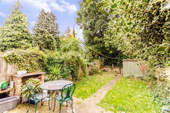 Thumbnail Flat to rent in Vallentin Road, Walthamstow
