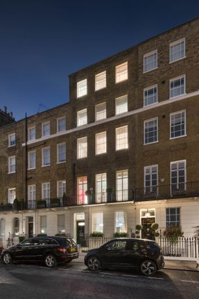 Thumbnail Town house for sale in Chester Street, Belgravia