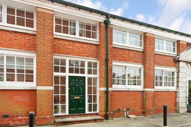 Thumbnail Town house to rent in Peninsula Square, Winchester, Hampshire
