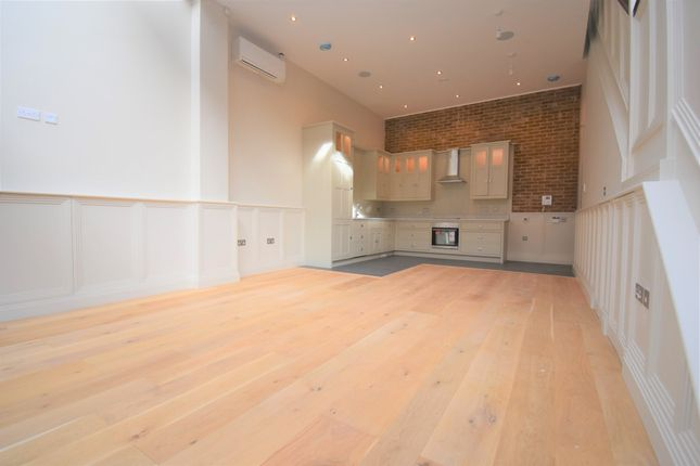 Thumbnail Flat for sale in Bartholomew Street, Newbury