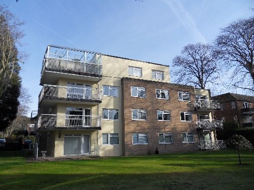 2 bed flat to rent in Grosvenor Road, Westbourne, Bournemouth