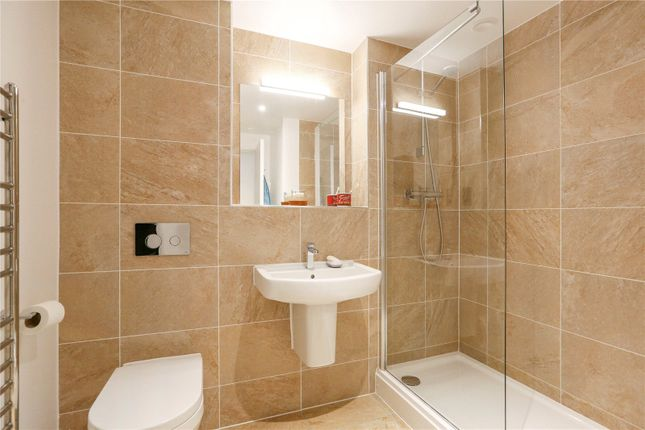 En Suite of Plas Bowles, Cardiff CF11