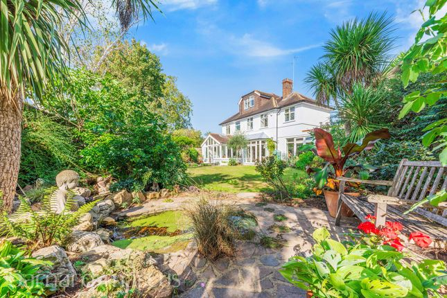 Thumbnail Link-detached house for sale in Vicarage Drive, London
