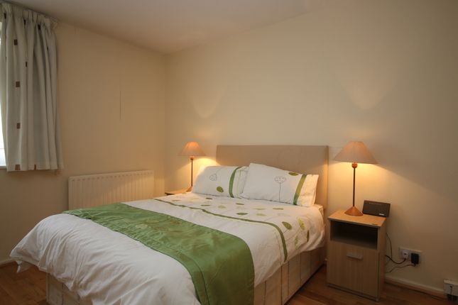 2 bed flat to rent in Swiss Cottage, London