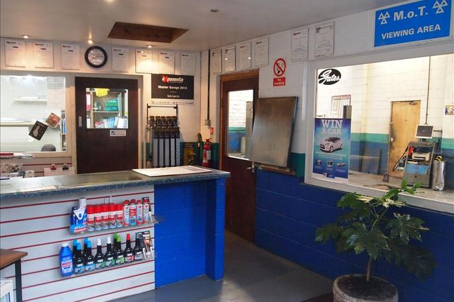 Thumbnail Parking/garage for sale in Vehicle Repairs & Mot BB18, Earby, Lancashire
