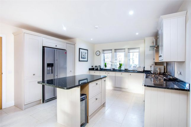 Thumbnail Terraced house to rent in Cahir Street, London