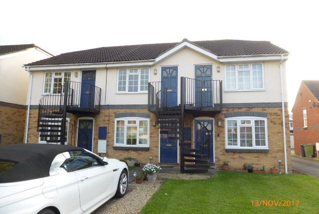 1 bed flat to rent in Hunters Road, Bishops Cleeve, Cheltenham GL52