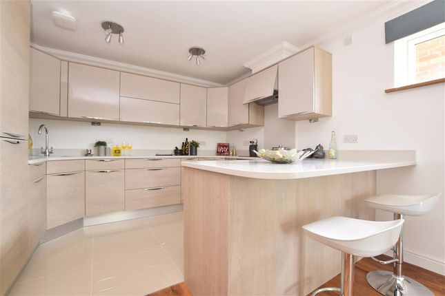 Thumbnail Flat for sale in Chaldon Road, Caterham, Surrey