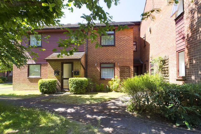Thumbnail Flat to rent in Brookfield Close, Chineham, Basingstoke