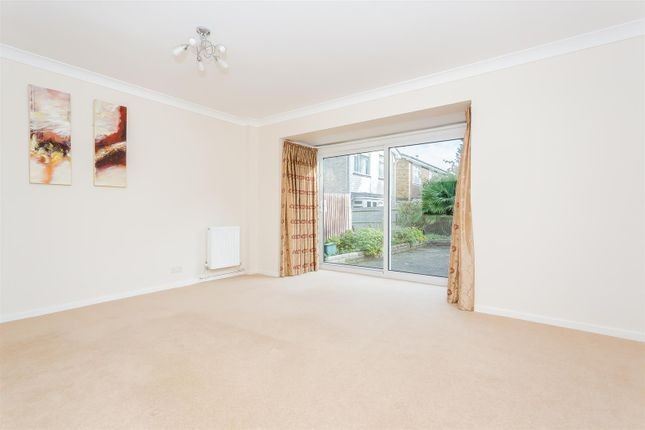 Thumbnail Detached house to rent in Leslie Gardens, Sutton