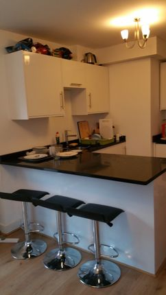 3 bed flat to rent in Daisybank Road, Victoria Park