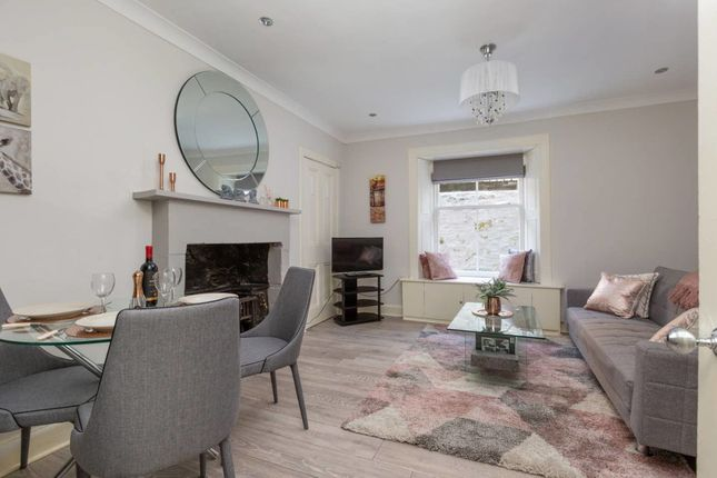 Thumbnail Flat to rent in 7A, 4 Leslie Place, Apart. 4, Edinburgh
