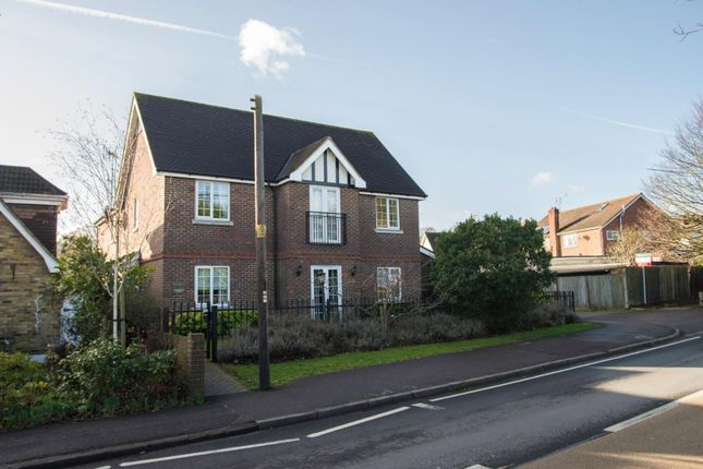 Thumbnail Flat for sale in Brentwood Road, Ingrave, Brentwood