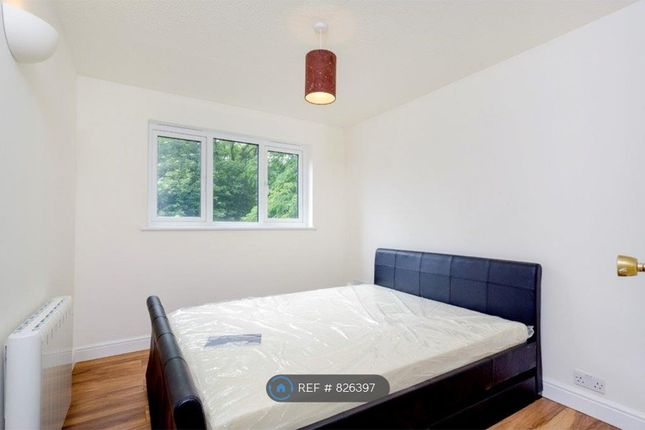 Bedroom of Cricketers Close, Erith DA8