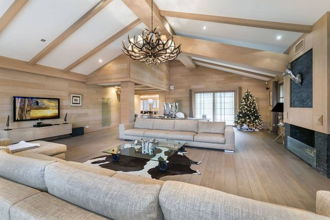 Thumbnail Chalet for sale in Belvédère 73120, Courchevel, Savoie, Rhône-Alpes, France