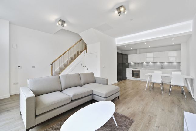 Thumbnail Terraced house to rent in Williamsburg Plaza, Blackwall, London