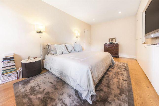 Master Bedroom of Collingham Gardens, London SW5