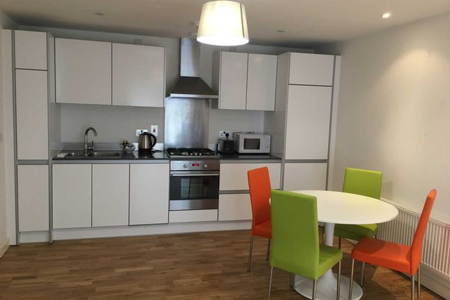 Thumbnail Flat to rent in Alfred Street, Reading